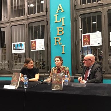 LA VOZ Y LA ESPADA la nueva novela de Vic Echegoyen